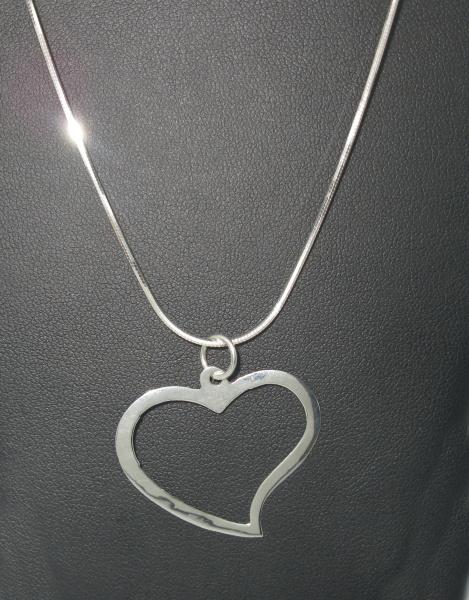 Stříbrný řetízek s přívěskem se zirkony Swarovski bílé tvar srdce