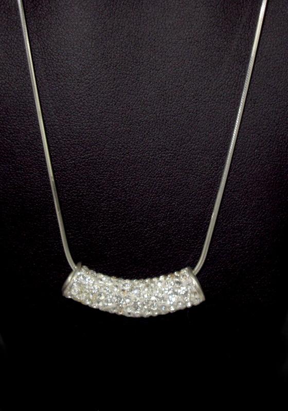 stříbrný řetízek s přívěskem , swarowski kamínky