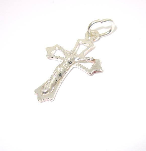 Stříbrný přívěsek kříž bez kamínku s Ježíšem