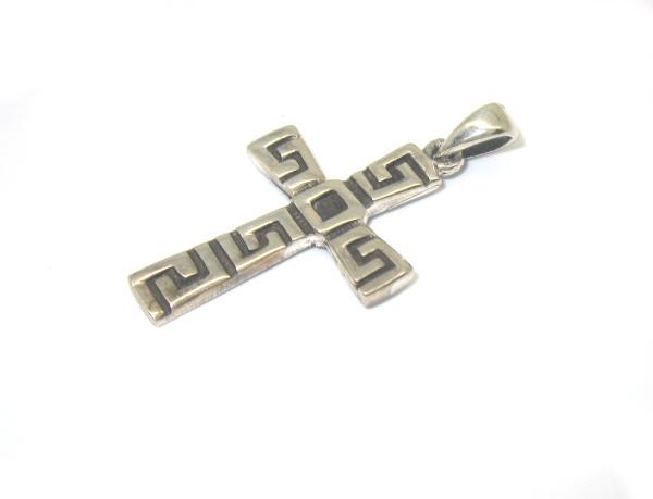 Stříbrný přívěsek kříž bez kamínku zdobhený starostříbrem