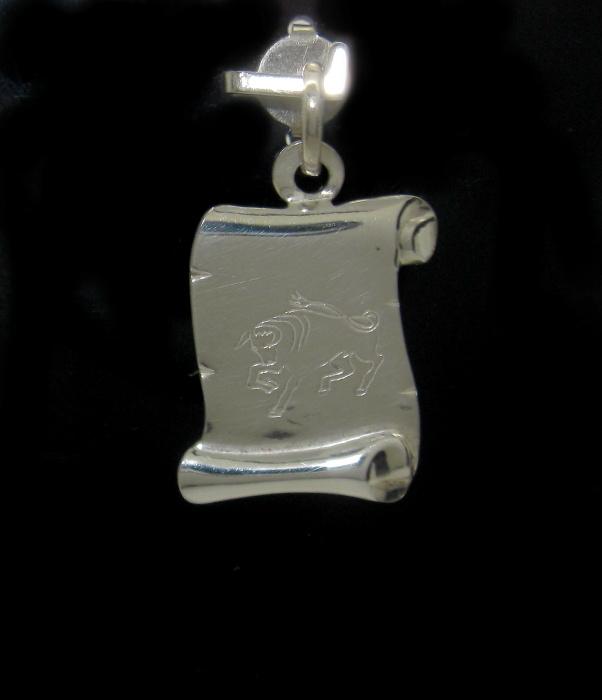 Stříbrný přívěsek měsíční znamení býk ozdobný