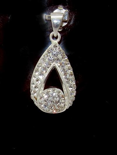 stříbrný přívěsek slza s bílými kamínky Swarovski