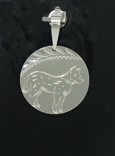 Stříbrný přívěsek pes vzor 2 zdobení laserem