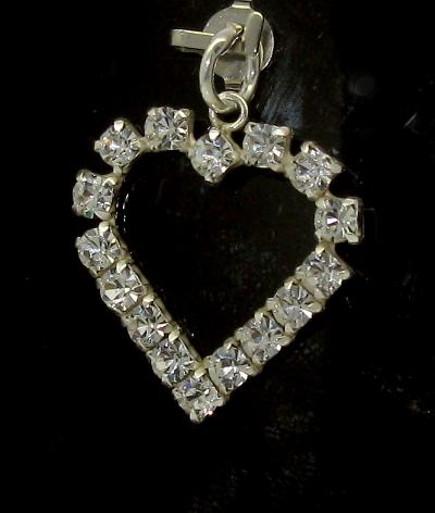 Stříbrný přívěsek srdce s kamínky zirkon tvar obrys