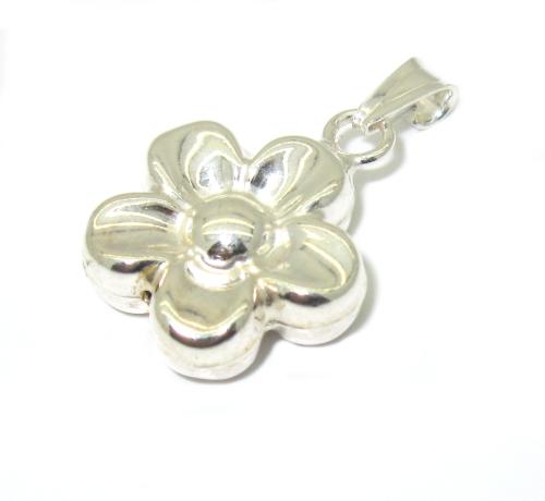 Stříbrné přívěsky bez kamínku vzor květinka
